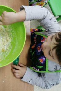 dziecko-w-kuchni (1)